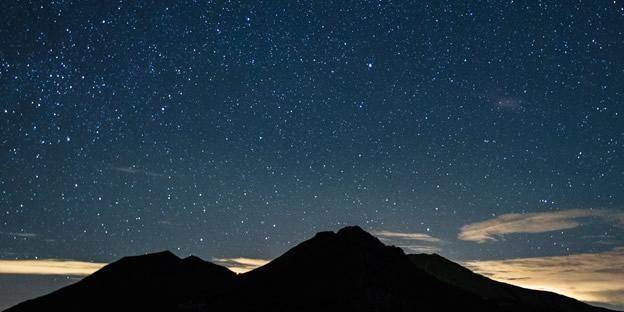 Lluvia de estrellas. Imagen tomada: / Meteor shower. Image from: mexico.cnn.com