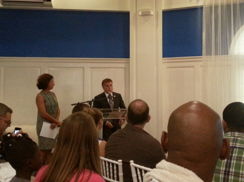 Embajador de los Estados Unidos de América en Santo Domingo.