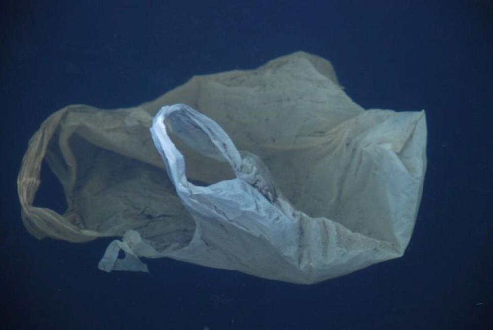 5.2 billones de bolsos plásticos (1/3)