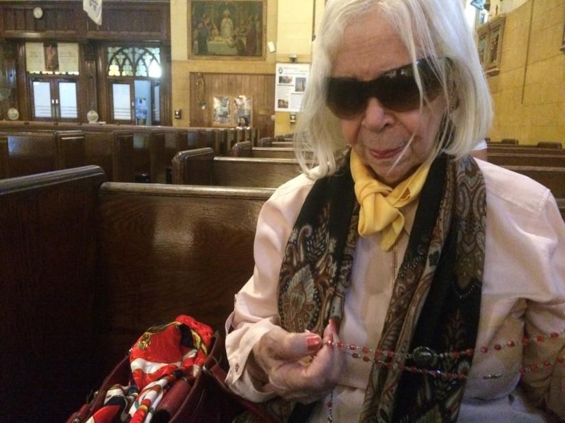Nidia Quiñones visita la iglesia Saint Elizabeth desde 1969.