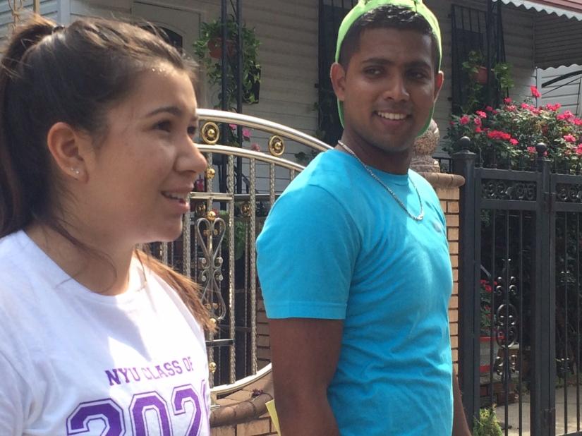 Hamza (derecha) coordinó un grupo de 32 estudiantes durante la jornada.